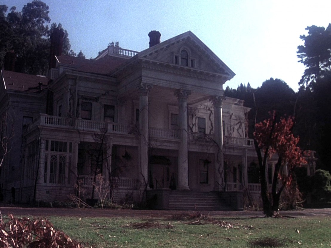 the 70s haunted house movie that s spookily similar to the shining