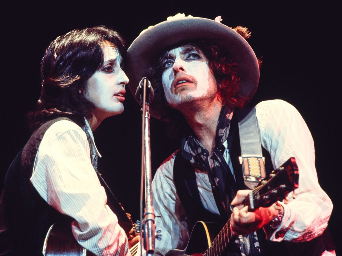 Картинки по запросу Watch The Trailer For Martin Scorsese's New Bob Dylan 'Rolling Thunder Revue' Documentary