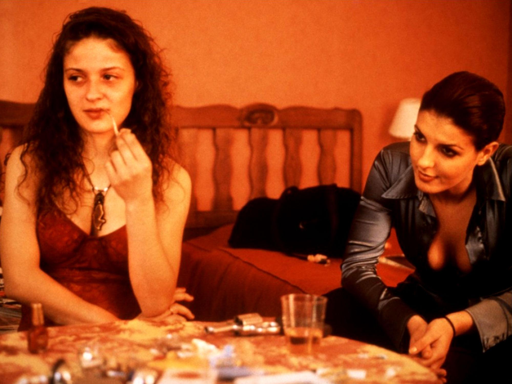 Karen Lancaume and Raffaëla Anderson in Baise-moi (2000)