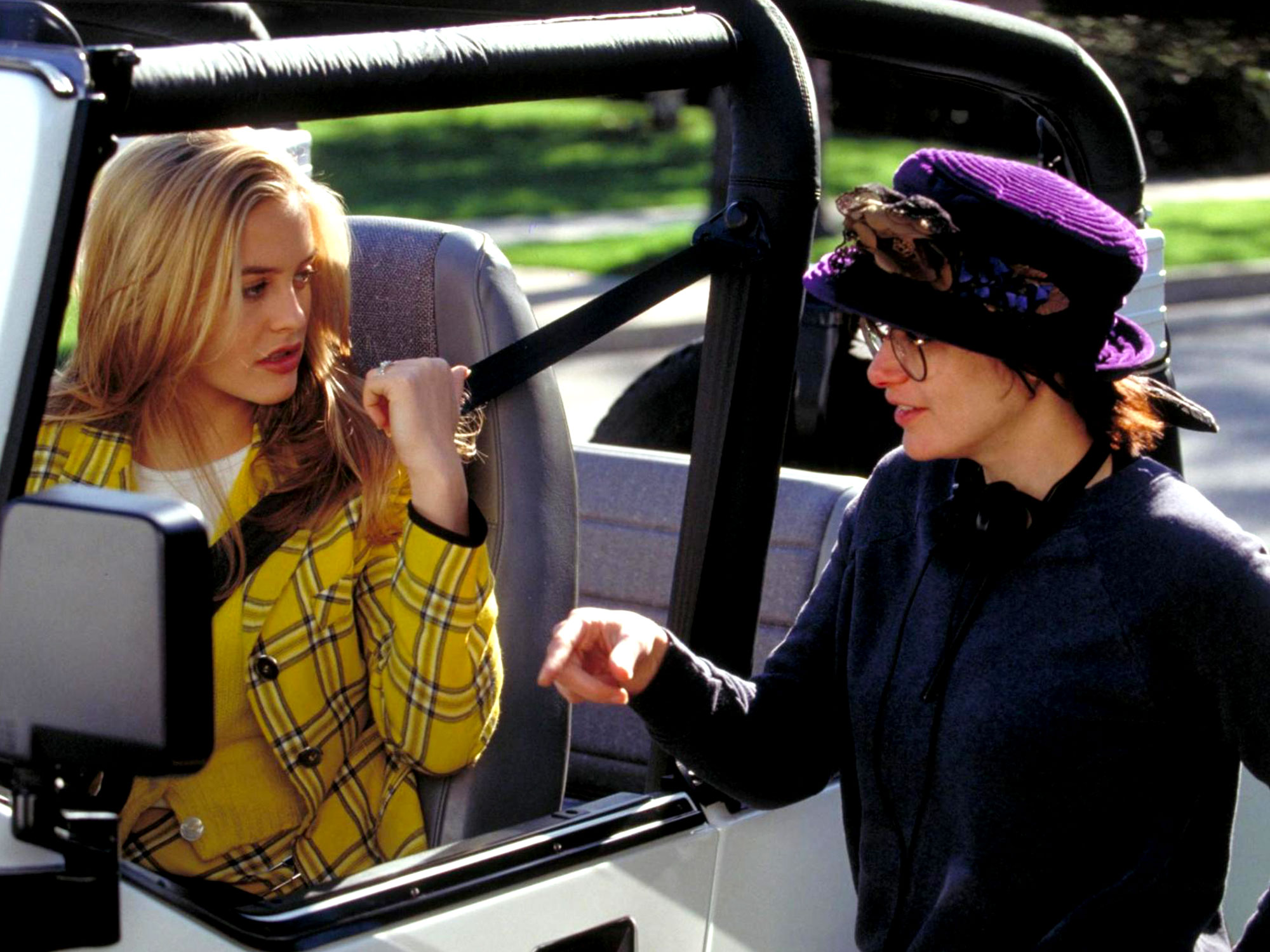 Alicia Silverstone and Amy Heckerling on the set of Clueless (1995)