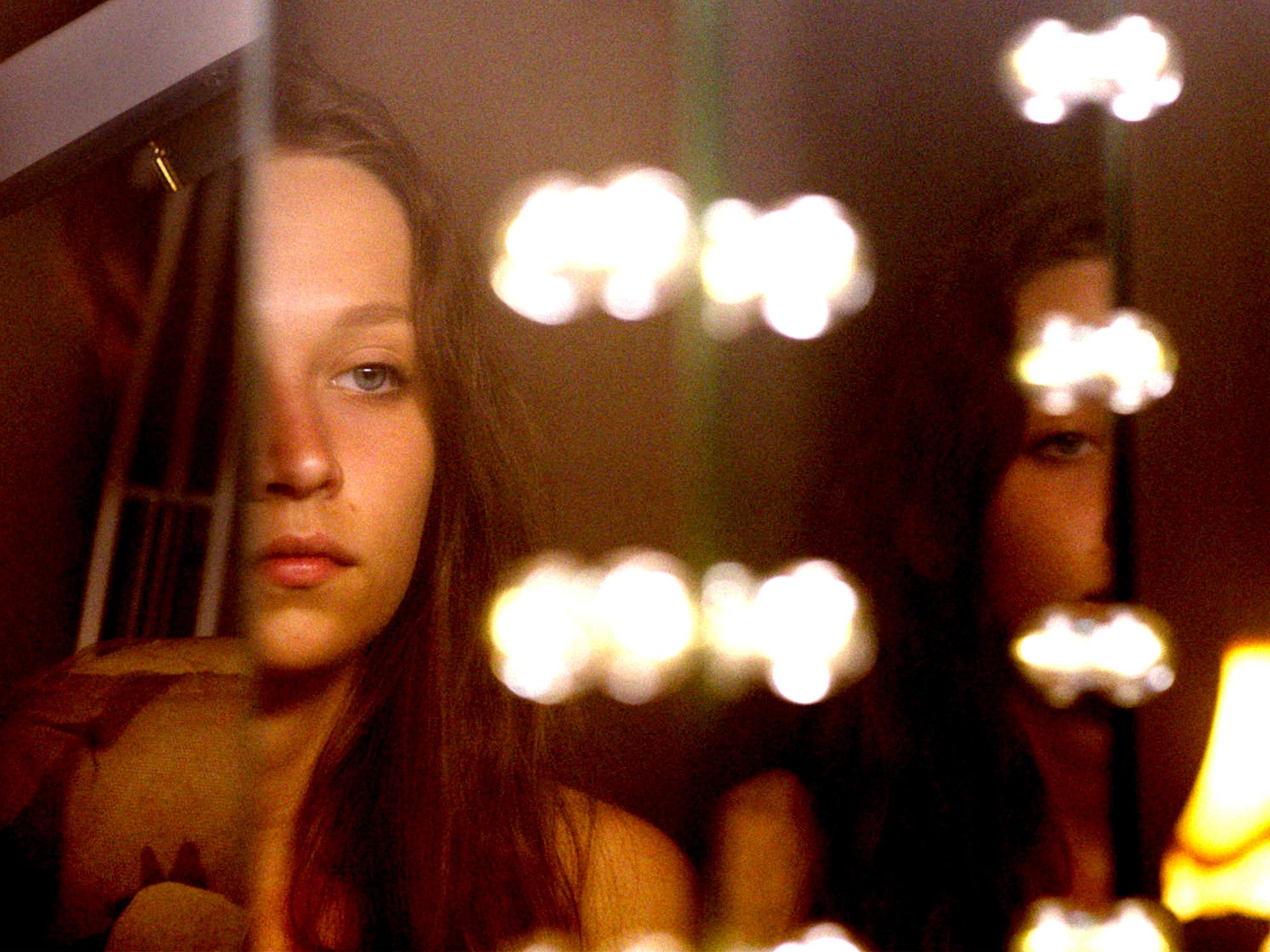 Molly Windsor in Make Up (2020)