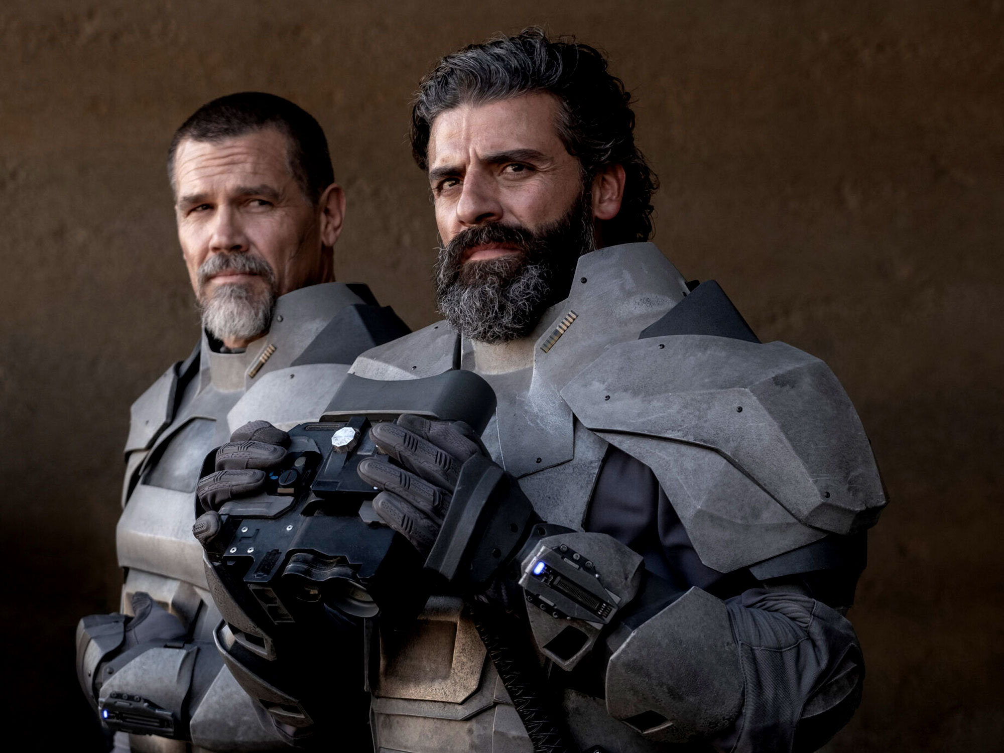 Oscar Isaac and Josh Brolin in Dune (2020)