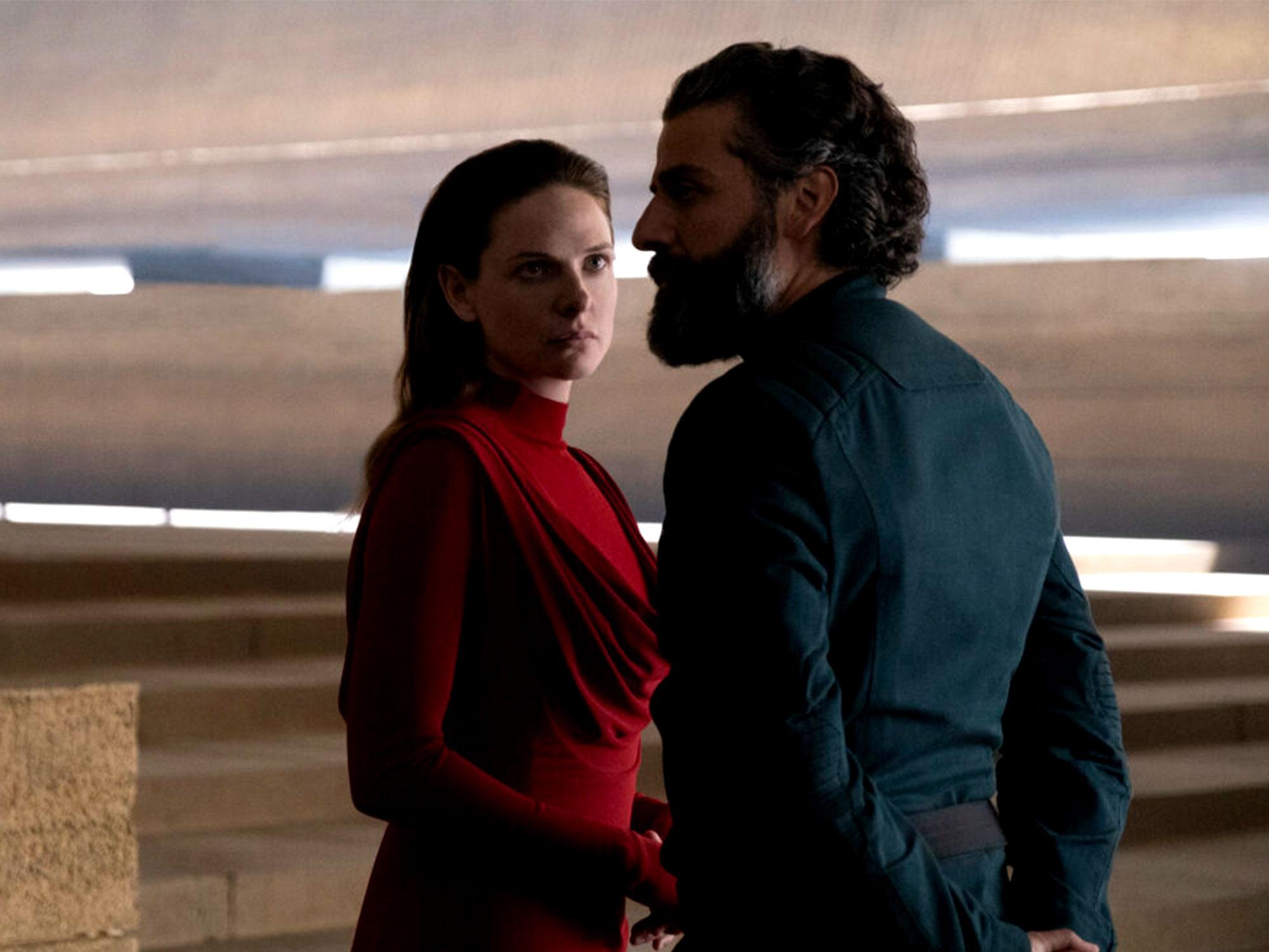 Oscar Isaac and Rebecca Ferguson in Dune (2020)